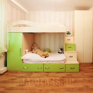 Детская с двухуровневой кроватью