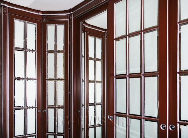 Двери со сквозной фрезеровкой