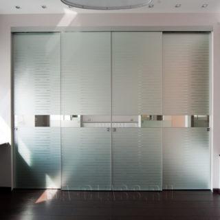 классический шкаф-купе на заказ из МДФ от мебельного ателье ААА-Классика в Москве