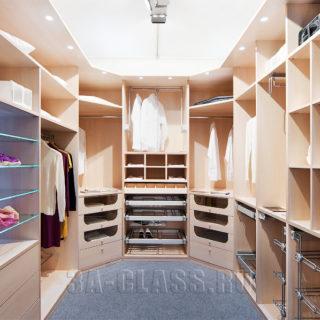 Заказать гардеробную комнату по индивидуальному проекту в Москве от мебельного ателье ААА-Классика