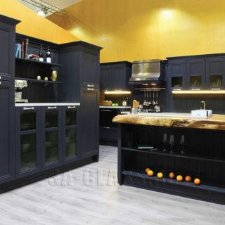 кухня Манчестер в английском стиле с черными фасадами