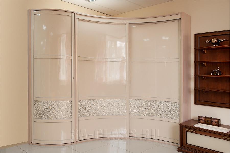 угловой радиусный шкаф-купе на заказ в Москве от мебельного ателье ААА-Классика