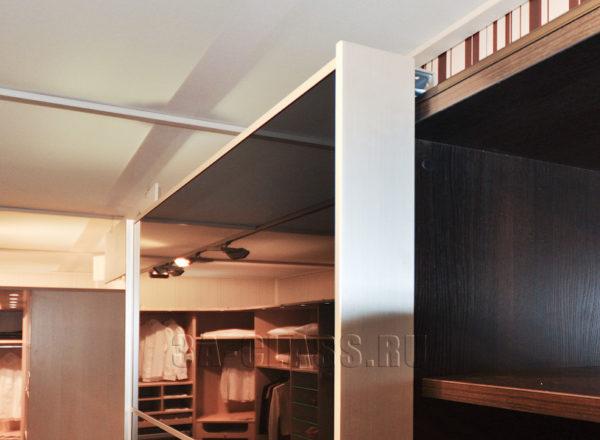 Шкаф-купе из мдф на заказ с механизмом Chinetto от мебельного ателье ААА-Классика в Москве