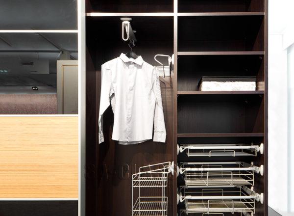 Шкаф-купе из мдф на заказ с наполнением Vibo от мебельного ателье ААА-Классика