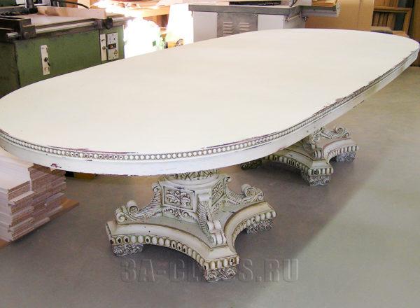 Изысканный элитный стол