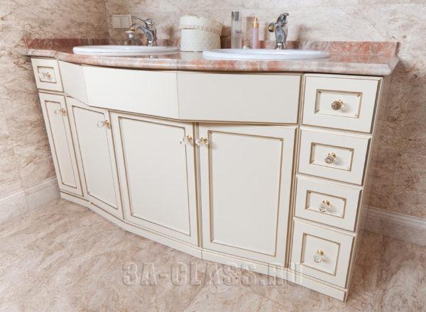 Масса ящиков в мебели для ванной