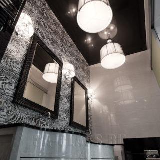 Свет и зеркала в ванную комнату