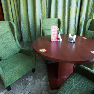 Три кресла и стол на заказ по индивидуальным размерам в Москве