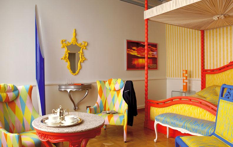 яркая мебель барокко