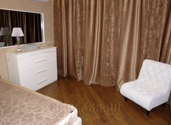 классическая кровать и комод на заказ по индивидуальным проектам в Москве