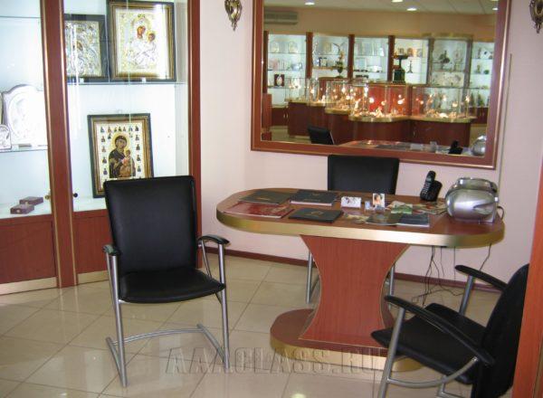 Мебель в офис или магазин