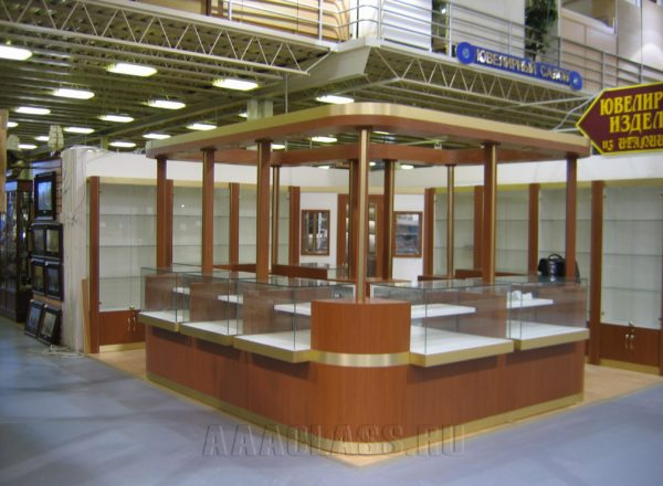 Секция ювелирных украшений и сувениров в ТЦ «Твой дом»