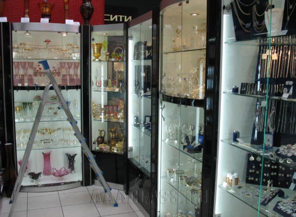 Стеклянные витрины в 5 авеню