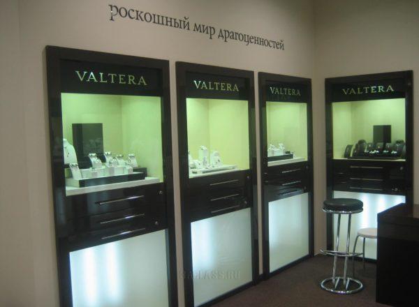 Встроенные витрины магазина VALTERA