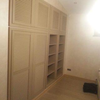 встроенный шкаф с антресолями