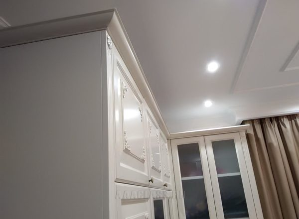 шкаф до потолка на заказ по индивидуальному проекту