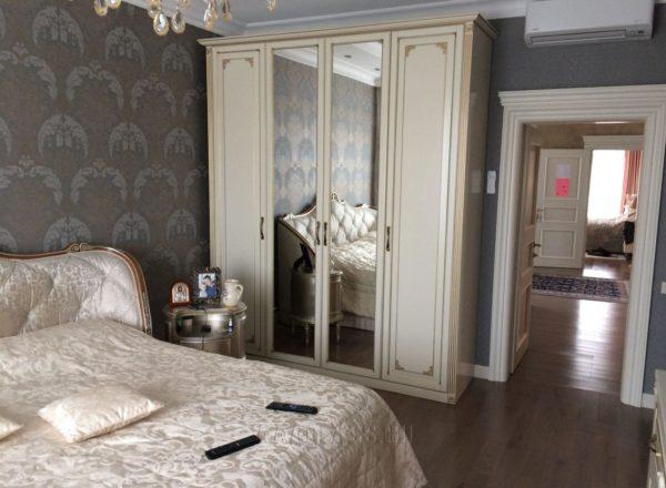 классический шкаф в спальню на заказ по индивидуальному проекту