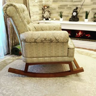 Элитное кресло-качалка из дерева на заказ по индивидуальным проектам в Москве от мебельного ателье ААА-Классика