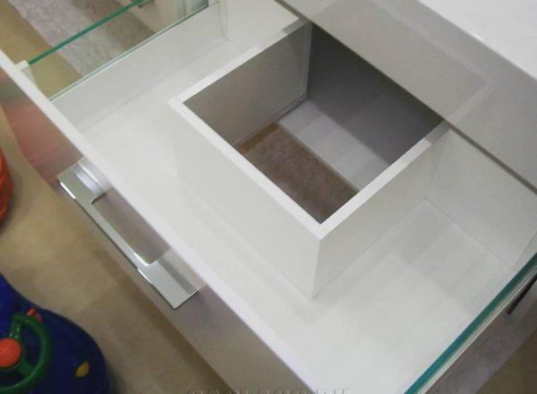 Удобный ящик в мойдодыре
