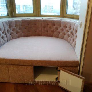 Встроенный диван в нишу на заказ по индивидуальному проекту
