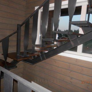 стильная лестница на дачу