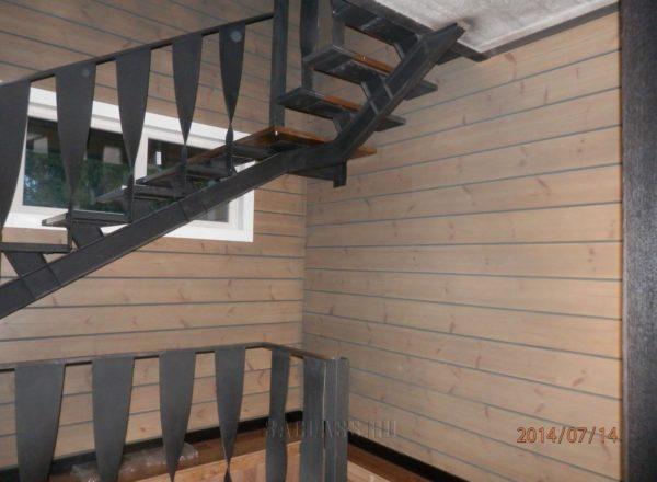 черная лестница в дом