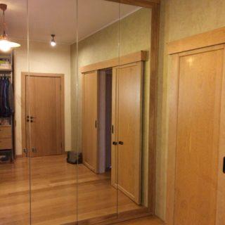 изготовление шкафа-гардеробной на заказ по индивидуальным размерам из массива дуба от мебельного ателье ААА-Классика