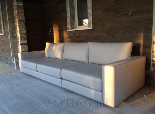диван с прямоугольными подушками на заказ по индивидуальным размерам в Москве