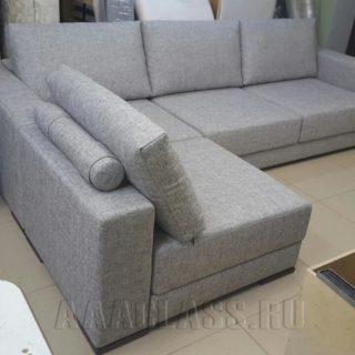 угловой тканевый диван