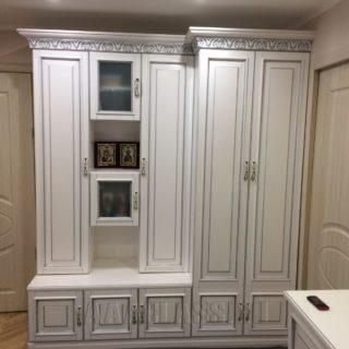 классический шкаф на заказ из мдф с патиной от мебельного ателье ААА-Классика