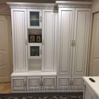 распашной шкаф на заказ по индивидуальному размеру на заказ в Москве от мебельного ателье ААА-Классика
