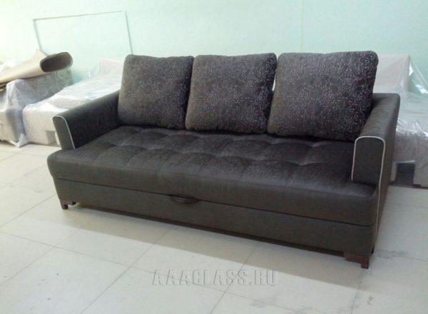 обычный темный диван