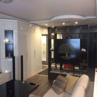 дизайнерский стеллаж в гостиную древо жизни по индивидуальному заказу от мебельного ателье ААА-Классика в Москве