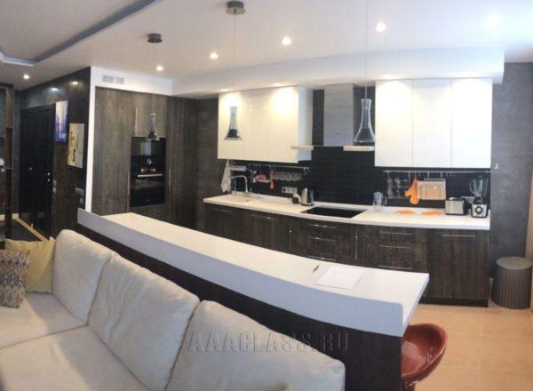 дизайнерская кухня на заказ по индивидуальным размерам от мебельного ателье ААА-Классика