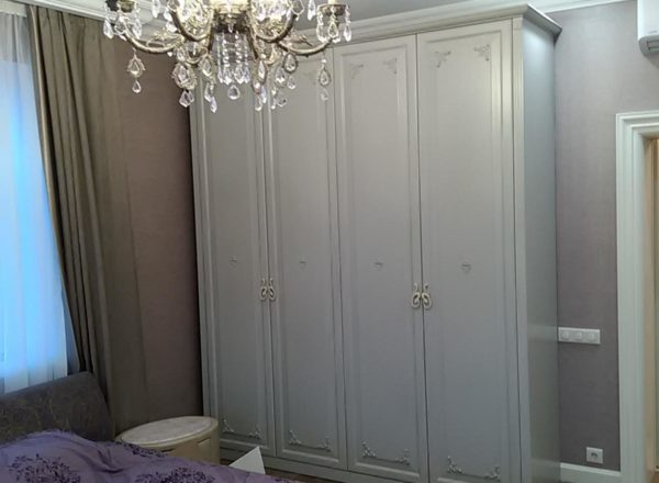 шкаф на 4 двери на заказ по индивидуальным размерам от мебельного ателье ААА-Классика