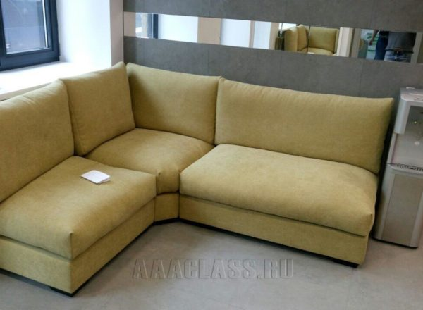 """Модульный диван на заказ по индивидуальному проекту для стоматологии БП """"Парк Мира"""" от мебельного ателье ААА-Классика"""