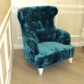кресло на заказ с опорами из массива дуба по индивидуальным размерам в Москве от мебельного ателье ААА-Классика