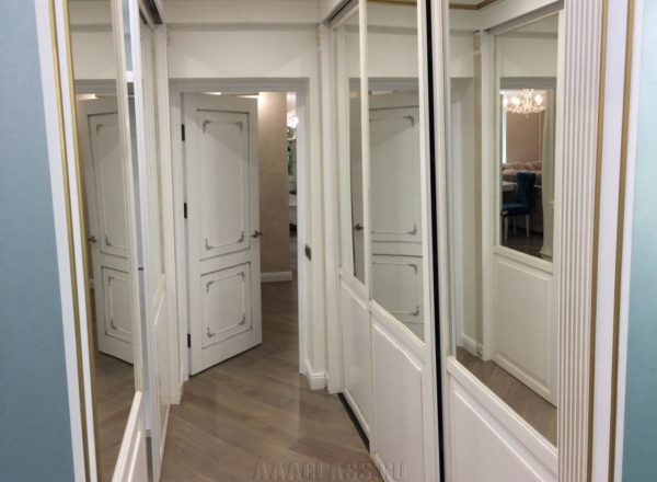 изготовление гардеробной комнаты на заказ на два входа: опорная система подвесных дверей-ку