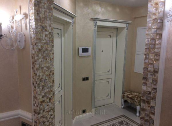 изготовление деревянных входных дверей в квартиру на заказ: материал массив дуба от мебельного ателье ААА-Классика