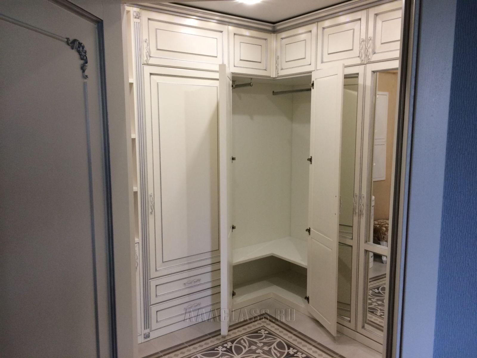 Угловой шкаф в прихожую на заказ из массива дуба Дизайн Спальни С Угловой Гардеробной