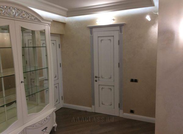 изготовление и монтаж дизайнерских межкомнатных дверей из массива дуба в Москве от мебельного ателье ААА-Классика