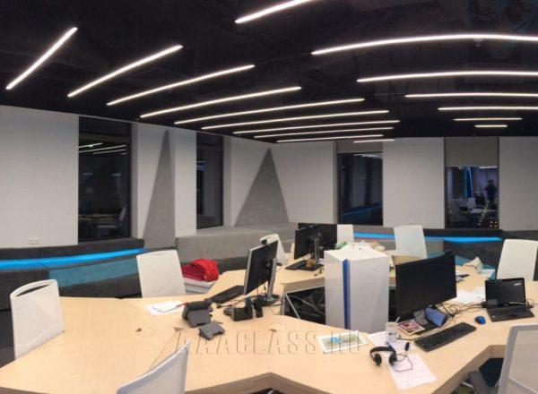 Мягкие стеновые панели на заказ с подсветкой для офиса компании 1С-Битрикс от мебельного ателье ААА-Классика