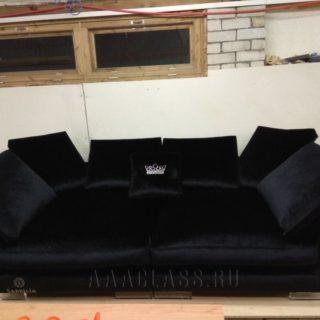 прямой диван Ника в черной ткани на заказ по индивидуальным размерам в Москве