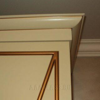 фасады и карнизы платяного шкафа в спальню с патиной на заказ по индивидуальным размерам