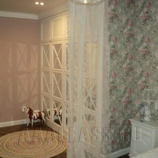 платяной шкаф в детскую комнату по эскизам заказчика из МДФ с зеркалом