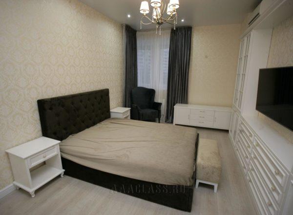 кровать в классическом стиле с мягким изголовьем на заказ