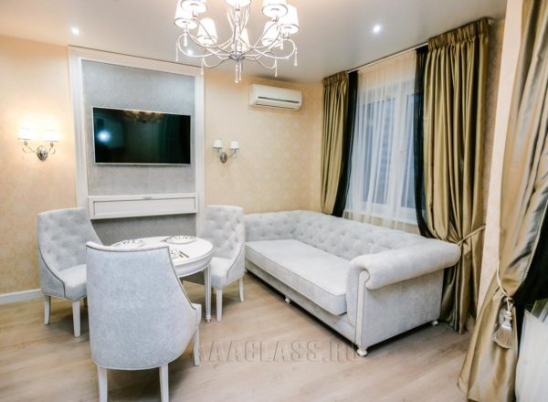 бархатный диван с каретной стяжкой на заказ по индивидуальным размерам в Москве