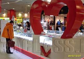 ювелирная витрина на заказ для торгового центра в Москве