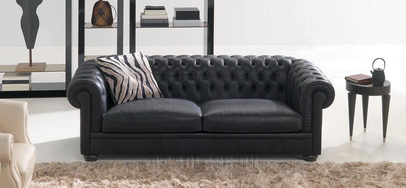 кожаный диван с каретной стяжкой фото в интерьере